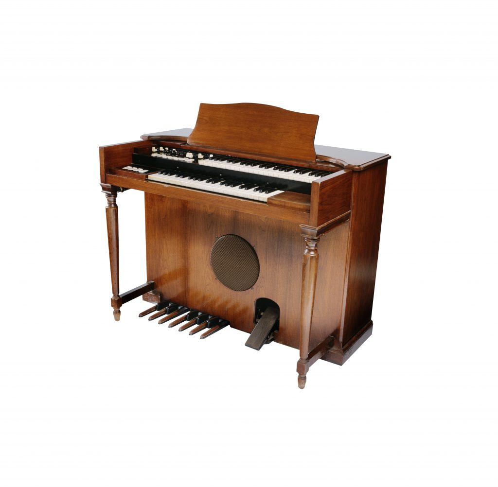 vintage electronic organ from the 1970's